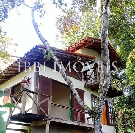 Propriedade Com Uma Casa de 2 Quartos e Dois Chalés Perto da Vila