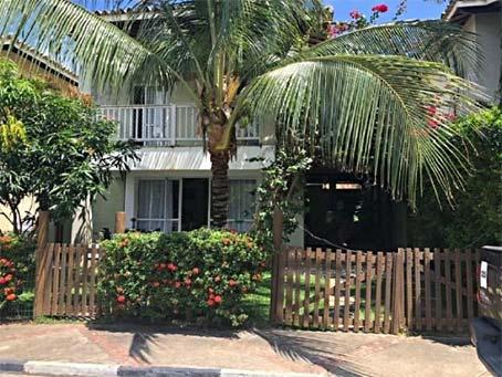 Charmosa Casa de 3 Quartos em Condomínio