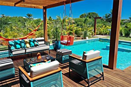 Mansão de 7 Quartos em Condomínio Premium Próximo à Praia