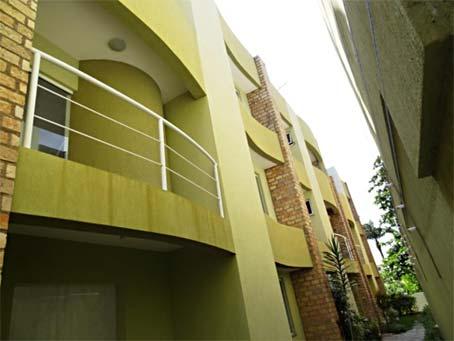 Casa Geminada Duplex com 2 Quartos Próxima à Praia