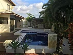 Casas à Venda Perto da Praia do Flamengo, Salvador