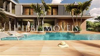 48 Luxury Homes