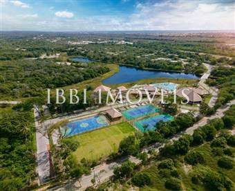 Plot in New and Exclusive Condominium