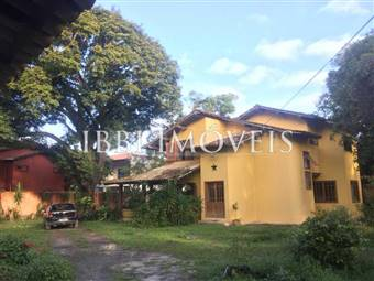 Great home with spacious area Arraial