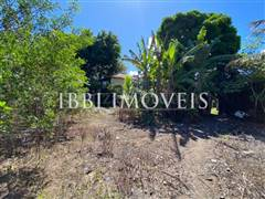 Flat land located 700m from the center. 7